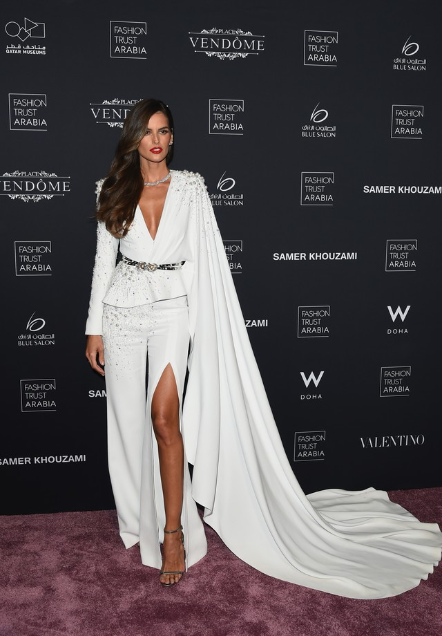 Isabel Goulart no Prêmio Fashion Trust Arabia (Foto: Getty Images)